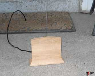 741337-magnum_dybalab_st2_antenna_with_indoor_floor_stand.jpg