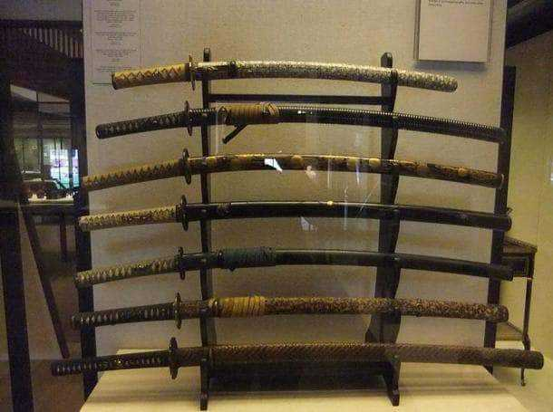 Various-samurai-swords.jpg