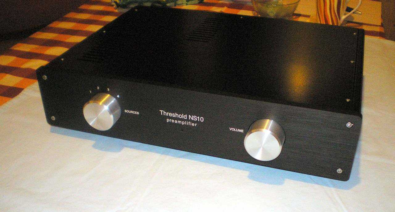 Kućište za preamp THRESHOLD NS10 - okt.2011 - za Bokija