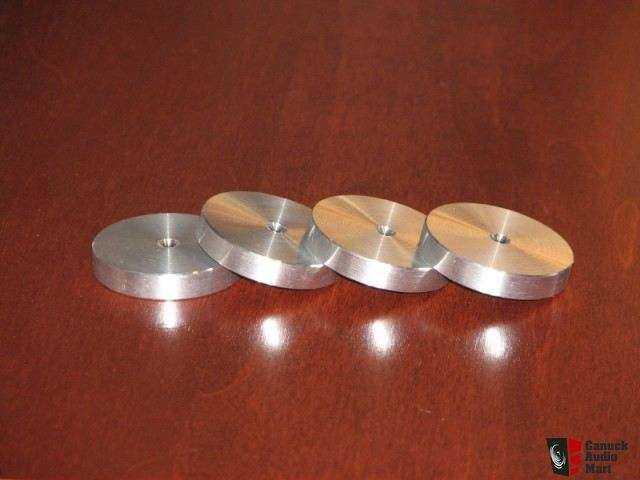 49174-133651e8-aluminum_speaker_spike_footer.jpg.74b5680f4c35722eac38552ac6af5c12.jpg